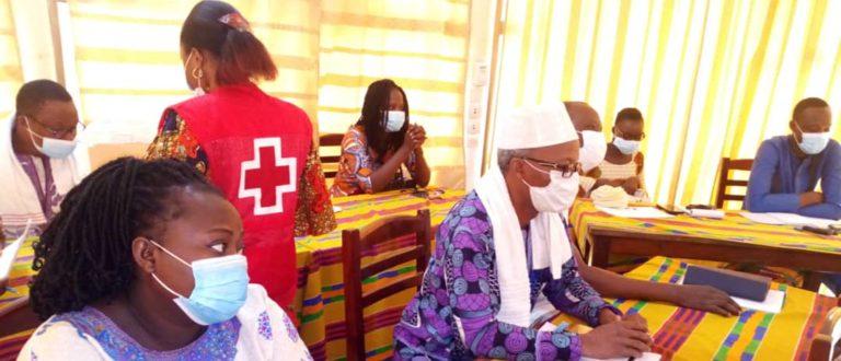 Article : Lutte contre la COVID-19 au Bénin, la CROIX- ROUGE forme les hommes des médias